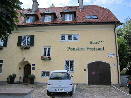 Hotel Garni Pension Freisaal: vista esterna