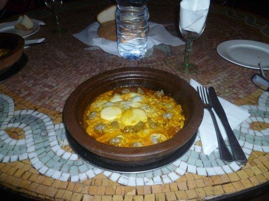 Riad Amskal: tajina polpette e uova