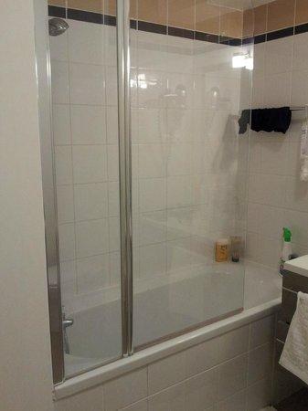 Appart'Hôtel Odalys Lorda : La douche