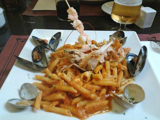 "Restaurant Pizzaria Pasta and Vino : Penne al ""marinara"",uma delicia"