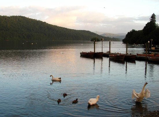 Lake View Guest House & Coffee Shop : Lake Windermere (round the corner from the Guesthouse)
