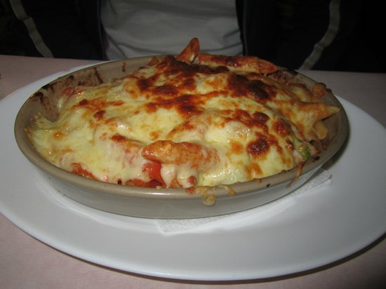 Camaron Restaurant: pasta in the oven..