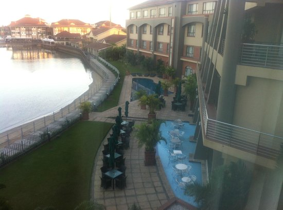 Protea Hotel by Marriott Richards Bay Waterfront : View of Waterfront/Beachside early morning