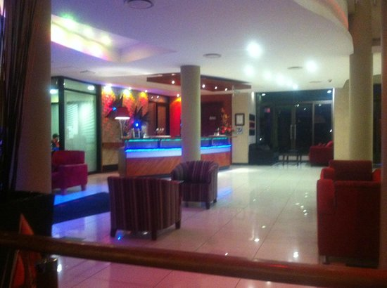 Protea Hotel by Marriott Richards Bay Waterfront : Bar View