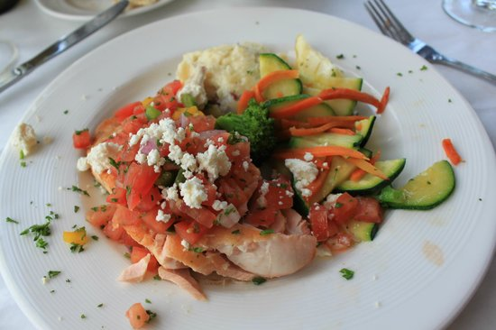 Owl Cafe: My Salmon dinner was perfectly cooked, moist & very tasty.