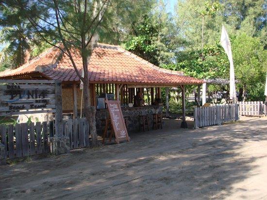Desa Dunia Beda Beach Resort : L'hotel vu de l'extérieur