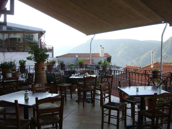 Aeolos Hotel: Breakfast patio