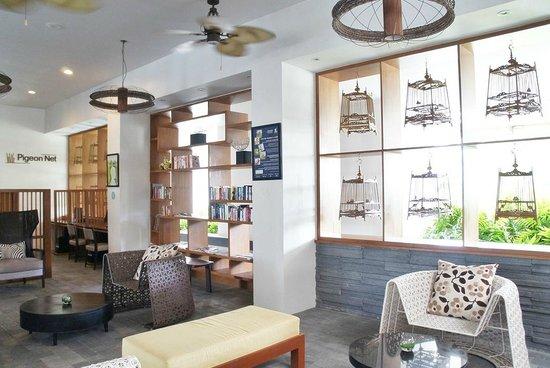 Deevana Plaza Krabi Aonang: The little library