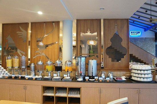 Deevana Plaza Krabi Aonang: Kingfisher Restaurant