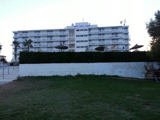 smartline Cala'n Bosch: vista albergo