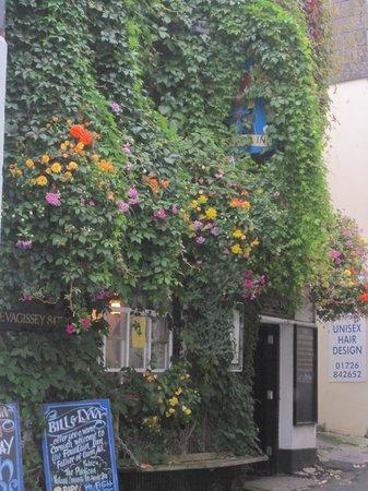The Fountain Inn: Floral delight