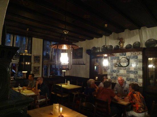 Altes Gasthaus Leve: Inside