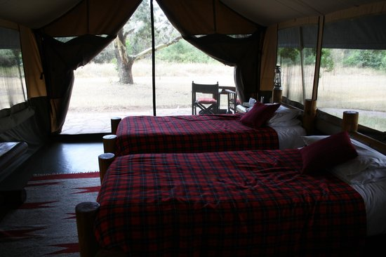 Siana Springs : Inside view of tent