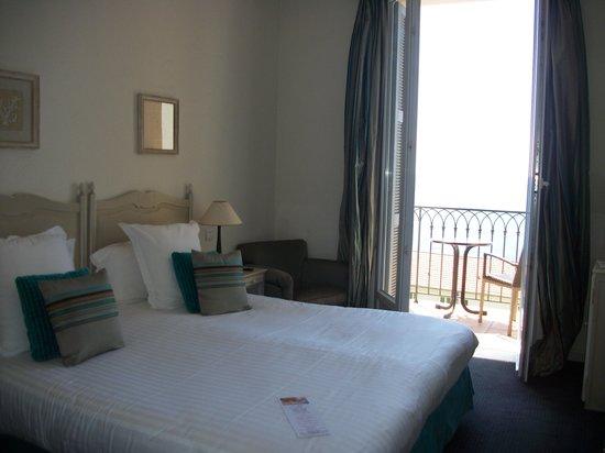 Hotel La Perouse, 2013, room