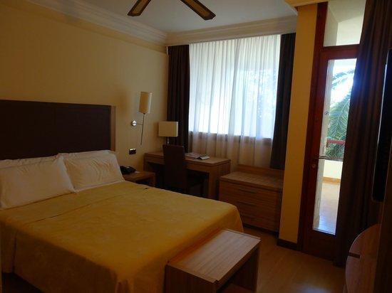 Nyala Suite Hotel San Remo : Suite Junior coté Mer