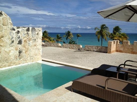 Honeymoon suite private pool and ocean view picture of for Sanctuary cap cana honeymoon suite
