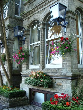 The Townhouse Rooms: The view from the street