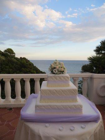 Grand Hotel Le Rocce: Torta nuziale sulla terrazza