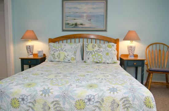 Ridgewood Motel and Cottages: Queen room
