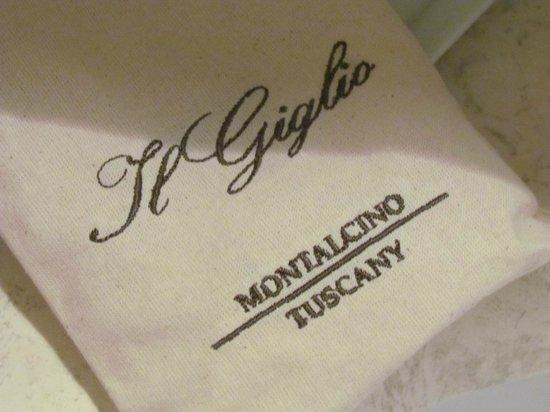 Il Giglio Hotel and Restaurant: Bolsa con excelentes productos de tocador