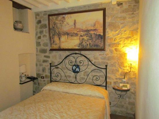 Il Giglio Hotel and Restaurant: Habitación