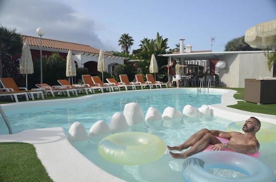 Beach Boys Resort: Piscina