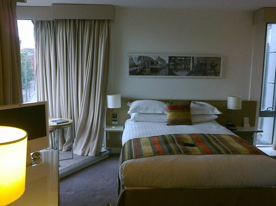 DoubleTree by Hilton Manchester Piccadilly: room 423