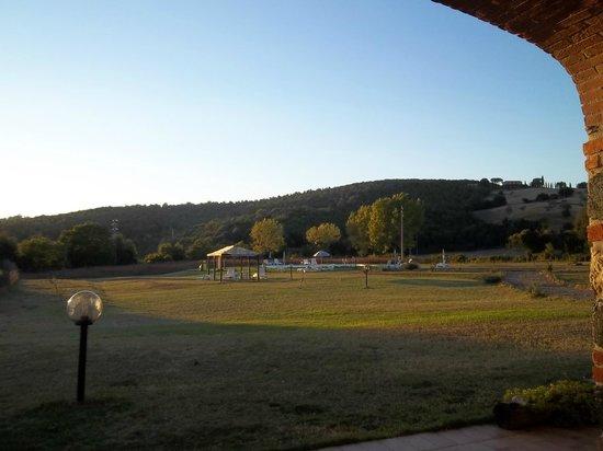 Casavacanze Podere Cascatelle & Agriletizia: parte del giardino
