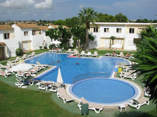 Pierre & Vacances Apartamentos Mallorca Vista Alegre: Blick aus Zimmer 216 auf den Pool, Vista Alegre Apartamentos