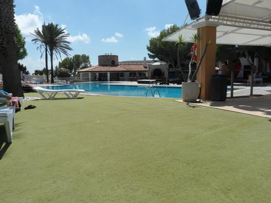 azuLine Club Cala Martina Ibiza: Pool area