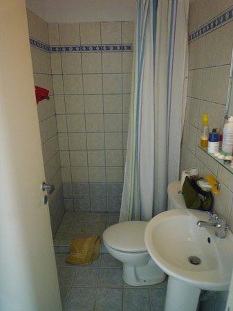 เทีย สตูดิโอ: salle de bain studio standard