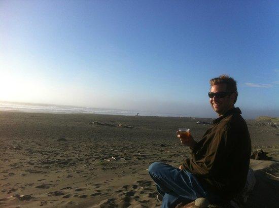 Gold Beach Inn: On the beach