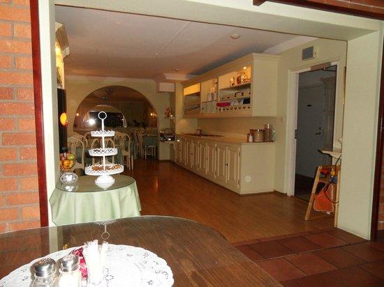 ApartHotel Attache : restaurant
