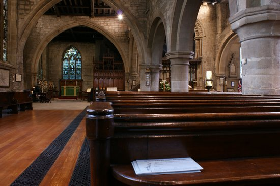 St. Andrew's Church: St Andrews' interior