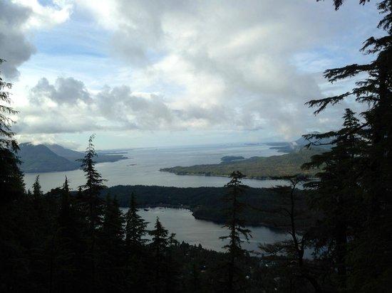 Deer Mountain Trail: Opening views apove 1500 feet