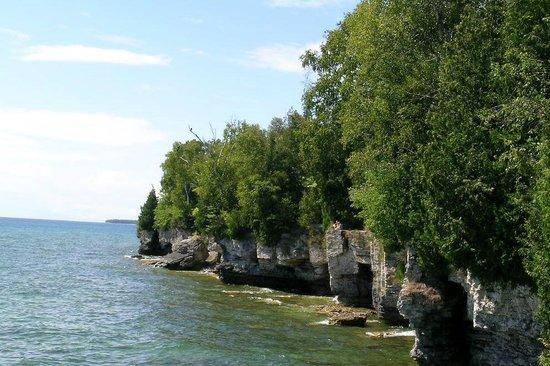 Whitefish Dunes State Park: Along the shoreline of Lake Michigan