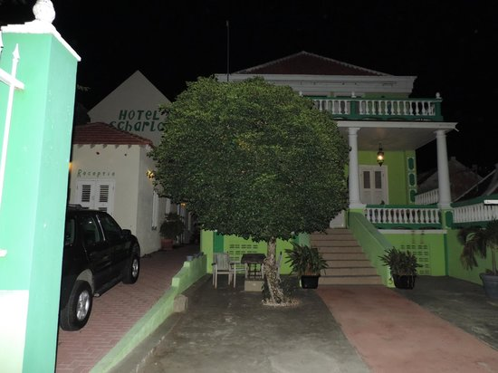 Hotel Scharloo: Vista frontal do hotel