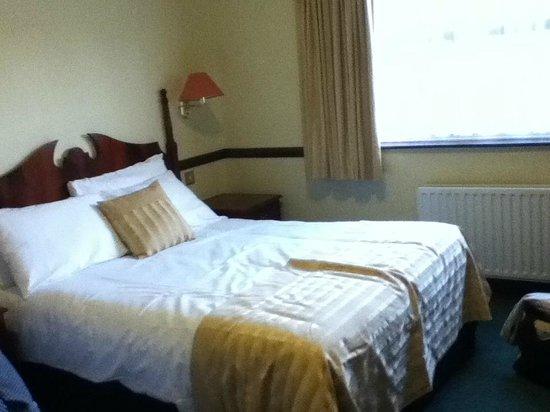 Seven Oaks Hotel: Extra comfy bed