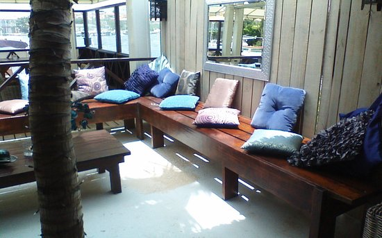 The Pier: lounge