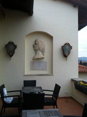 Sina Villa Medici: Балкон