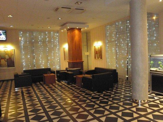 Hotel Swing : Lobby