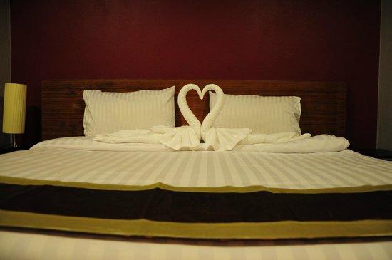 Rama Kata Beach Hotel: Das Bett