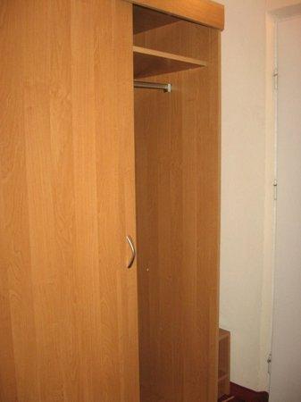 Hotel Aramis: armadio