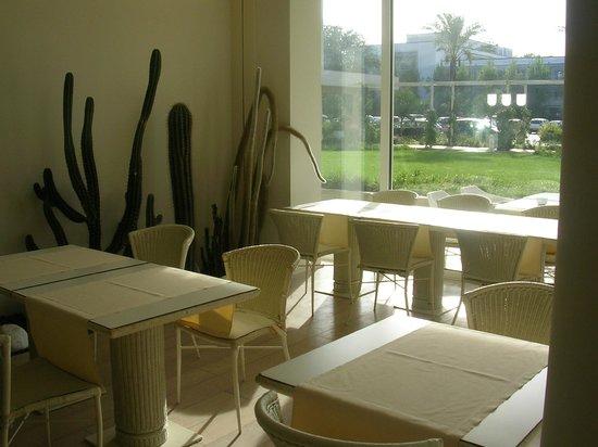 UNA Hotel Versilia: Un angolo del ristorante