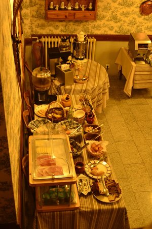 Hotel du Lion d'Or : Breakfast spread