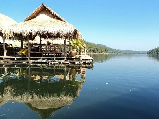 Eakachai Houseboat Chiang Mai: ซุ้มหน้าแพ
