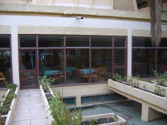 Jardin del Atlantico : Vista desde piscina a restaurante