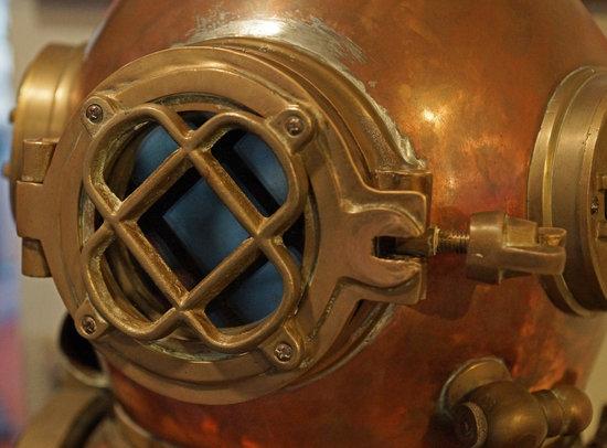 Santa Barbara Maritime Museum: Heavy helmet!