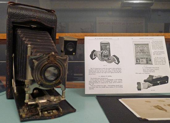 Santa Barbara Maritime Museum: Old school camera