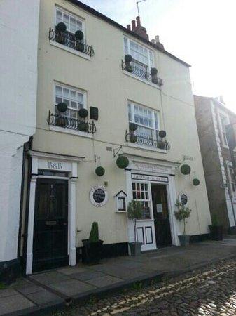 The Georgian Town House: exterior